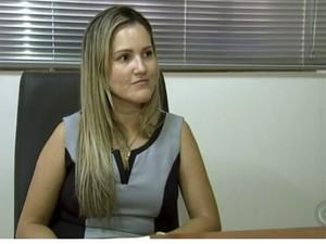 Carolina Tucunduva da Silva não tem esperança em ser chamada para assumir cargo (Foto: Reprodução/TV TEM)