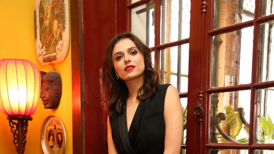 Monica Iozzi define Celeste como a mocinha de 'Vade Retro': 'A ideia é que as pessoas torçam por ela'
