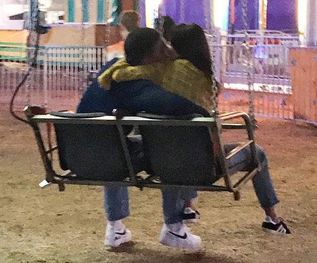 Kourtney Kardashian e Younes Bendjima (Foto: BackGrid)
