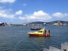 Travessia de balsas será interrompida para retirada de carro que caiu no mar