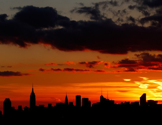 Pôr do Sol em Nova York, Estados Unidos (Foto: Mike Stobe/Getty Images)