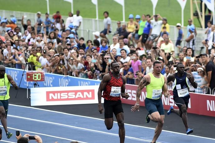 Usain Bolt em sua performance no desafio do Rio (Foto: André Durão)
