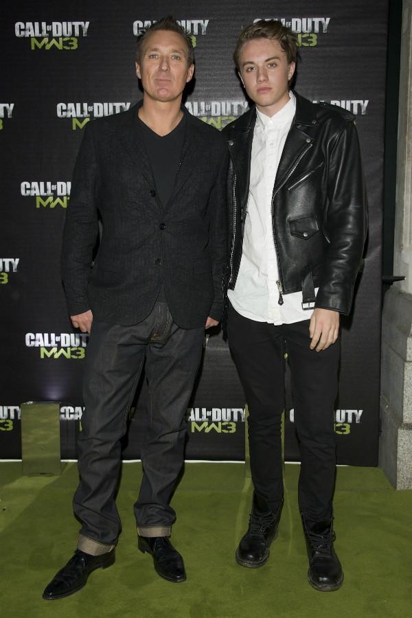 O músico Martin Kemp com o filho, Roman (Foto: Getty Images)