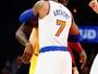Com triplo-duplo, LeBron supera Carmelo, e Cavs vencem os Knicks