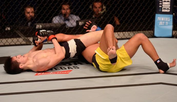 Naoki Inoue x Carls John De Tomas UFC Singapura (Foto: Getty Images)