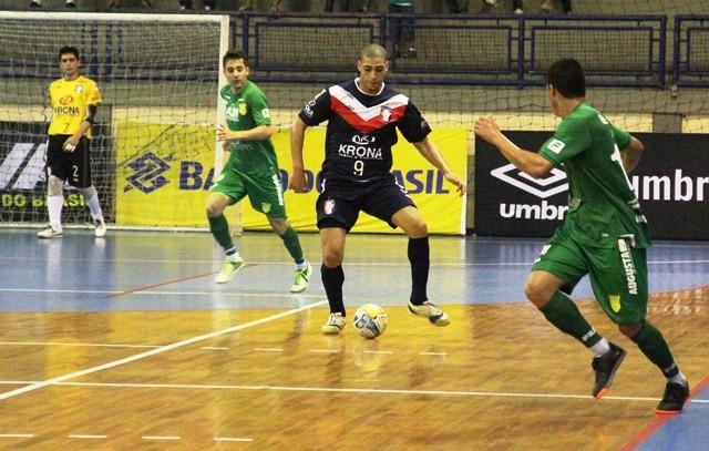 elisandro joinville assoeva liga futsal (Foto: Manolo Quiróz/Divulgação)