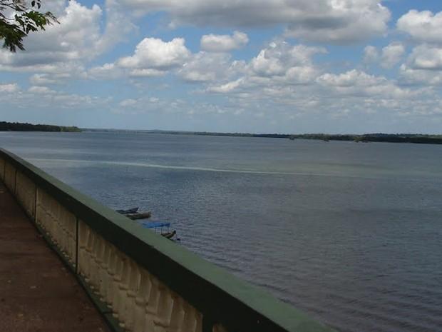 Embarcacão afundou no Rio Araguaia (Foto: Divulgação)