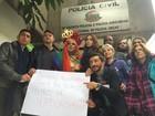 Depoimento de transexual 'crucificada' sobre Parada Gay é adiado em SP