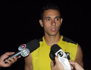 Júnior Timbó, meia do ABC (Foto: Tiago Menezes)