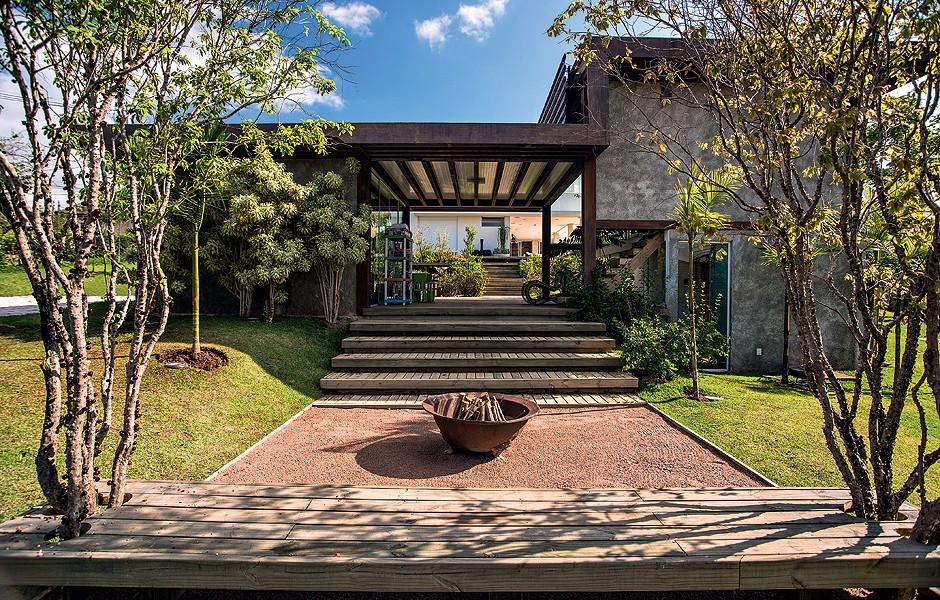 globo iluminacao jardim:Fogo de chão – Casa e Jardim