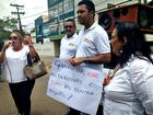 Servidores com contratos vencidos fazem ato contra demissões no Acre
