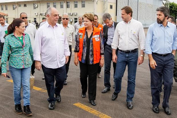 Presidenta Dilma Rousseff chega a Porto Velho, antes do sobrevoo as áreas atingidas pelas chuvas no estado de Rondônia (Foto: Roberto Stuckert Filho/PR)