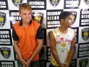 Jean Rocha (de camiseta laranja) foi apresentado à imprensa ao lado do comparsa (Foto: Kleber Teixeira/ Inter TV cabugi)