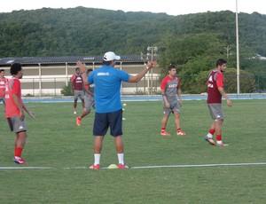 América-RN - Roberto Fernandes treino na UFRN (Foto: Carlos Cruz/GloboEsporte.com)
