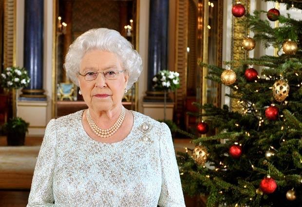 A Rainha Elizabeth II durante sua mensagem de Natal, exibida nesta terça-feira (25) (Foto: AP)