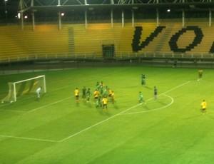 Voltaço perde e dá adeus à Copa Rio (Foto: Igor Bravo/Fair Play Assessoria)
