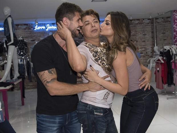 Ex-BBB Jonas, David Brazil e Mari Gonzalez em evento em São Paulo (Foto: Caio Duran/ Divulgação)