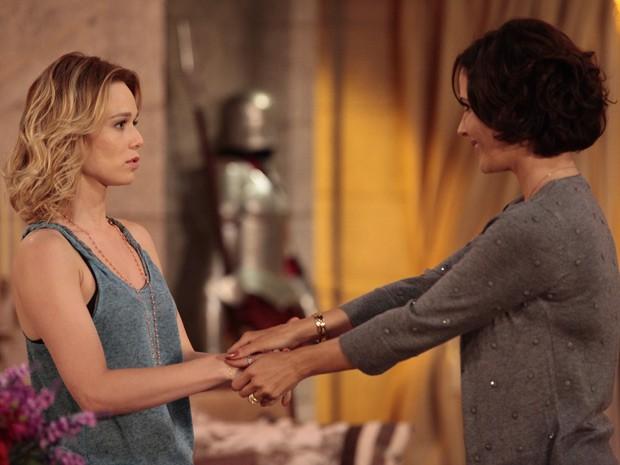 Manoela faz apelo para Juliana (Foto: Guerra dos Sexos / TV Globo)