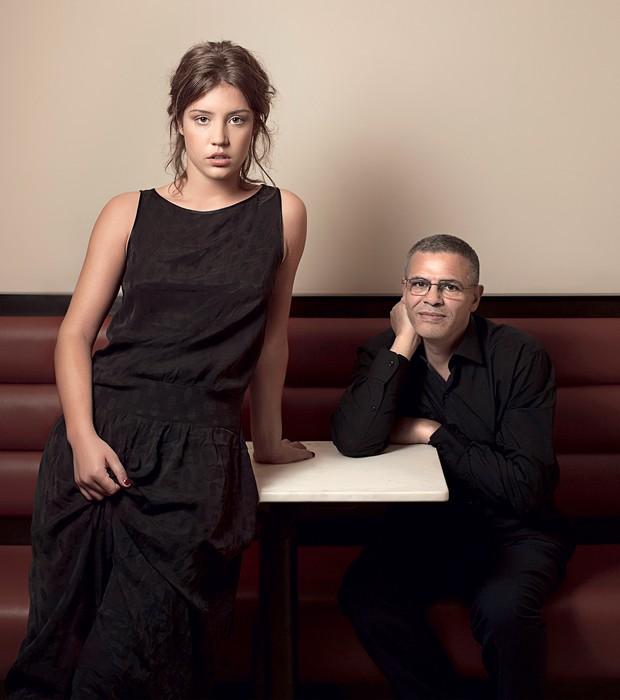 """e Adèle com o diretor, Abdellatif Kechiche, em  São Paulo. """"Não sabia que passaria por isso"""", diz a atriz (Foto: Julia Rodrigues/ÉPOCA)"""