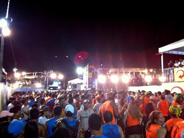Encontro de trios elétricos encerrou a terceira noite do Carnatal 2013 (Foto: Jocaff Souza/G1)