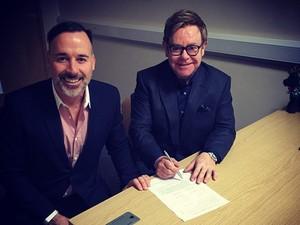 David Furnish e Elton John (Foto: Reprodução / Instagram)
