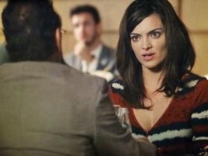 Charlene não gosta da forma que Wilson fala de Bento (Foto: Sangue Bom/TV Globo)