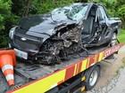 Motorista fica ferido após carro bater em carreta na Raposo Tavares