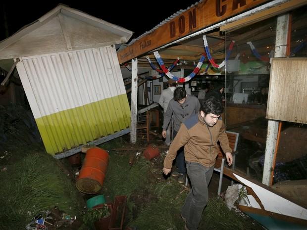População após terremoto em Concon, no Chile (Foto: REUTERS/Rodrigo Garrido/TPX IMAGES OF THE DAY)