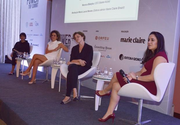 Painel une Cristina Junqueira (Cofundadora do Nubank), Barbara Soalheiro (CEO da Mesa e Cadeira) e Monica Blatyta (Babel Azza) (Foto: Liane Neves/Divulgação Marie Claire)
