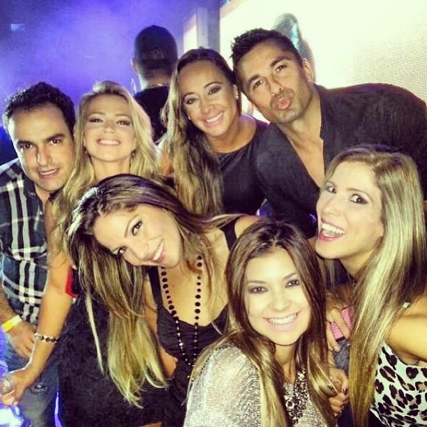 Ex-BBBs Fani, Anamara, Ton e Milena em boate em São Paulo (Foto: Instagram/ Reprodução)