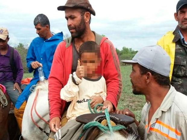 Criança de seis anos fugiu de casa com medo de apanhar da mãe (Foto: Blog do Sigi Vilares)