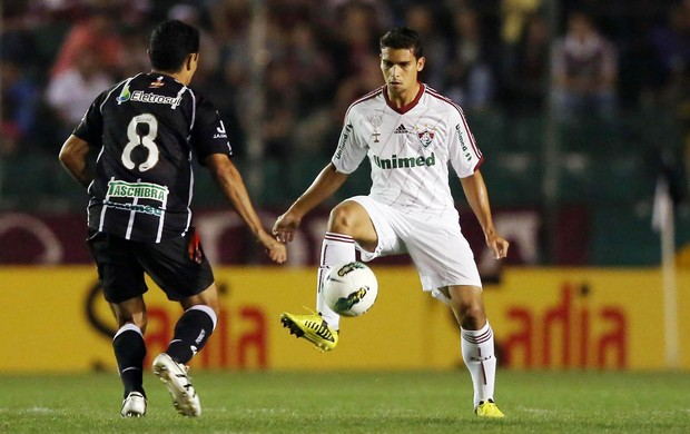 jean fluminense figueirense (Foto: Cristiano Andujar / Ag&#234;ncia Photocamera)