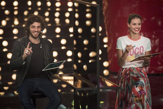 Chay Suede e Laura Neiva participam do 'Amor & Sexo' (Foto: Globo/Mauricio Fidalgo)