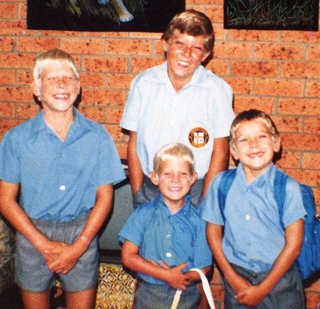 Mick Fanning (menor) e irmãos surfe (Foto: Reprodução/Instagram)