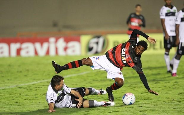 Atlético-GO x Ceará no Serra Dourada, em Goiânia (Foto: Cristiano Borges/O Popular)