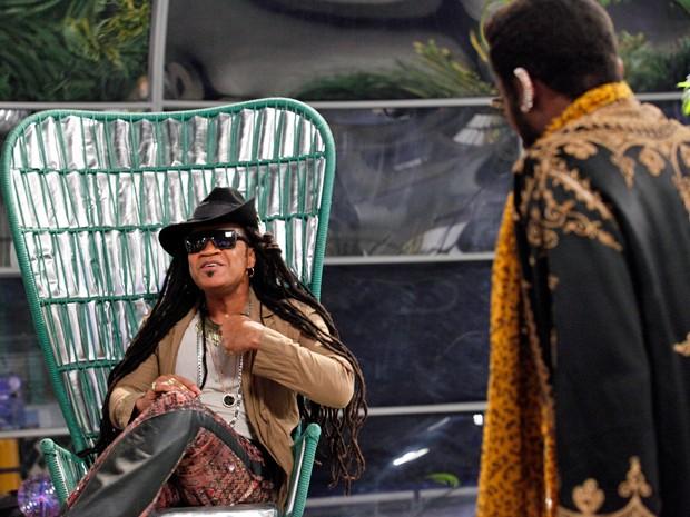 Carlinhos Brown faz repogramação cerebral  (Foto: Raphael Dias / TV Globo)