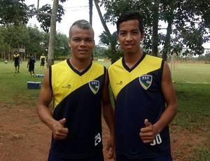 Os irmãos Alexander e Tanaka são reforços do Rondoniense  (Foto: Lívia Costa)