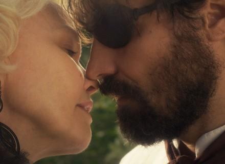 Greta joga (in)direta e beija Ferdinando