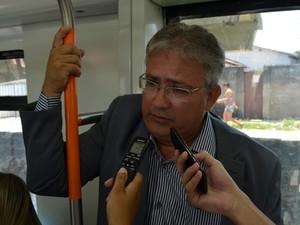 Wladme afirmou que os investimentos serão feitos para a construção de novas estações (Foto: Daniel Peixoto/G1)