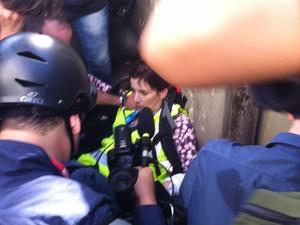 Jornalista da CNN ficou ferida (Foto: Gustavo Petró)