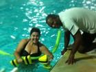 Fabiana Karla posa na hidroginástica e brinca: 'Projeto Gracyanne'