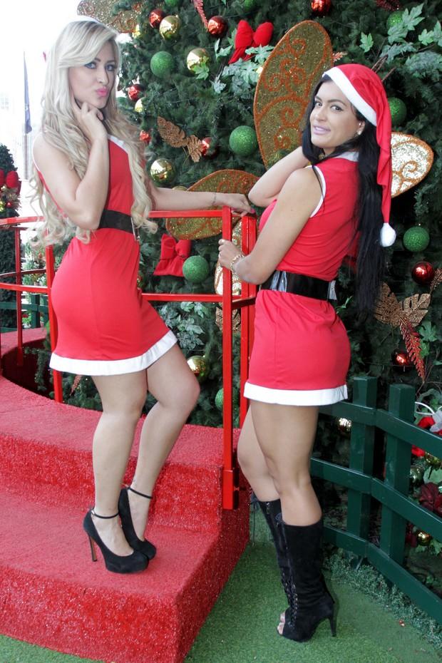 Coelhinhas da Playboy vestidas de Mamãe Noel (Foto: Paduardo / AgNews)