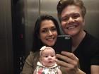 Thais Fersoza e Michel Teló posam com a filha Melinda, a linda de morrer!