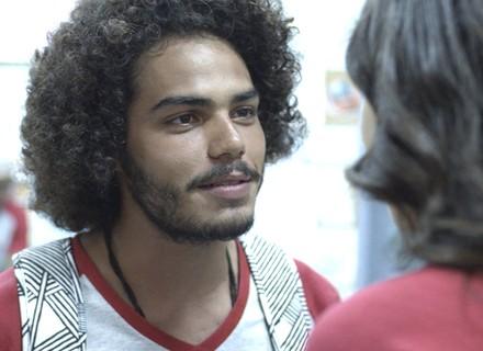 Pedro tira dez em Química e diz que Luciana terá que sair com ele