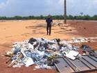 Lixo que restou dos Jogos Mundiais Indígenas acumula água parada