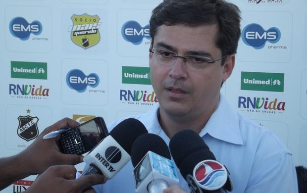 Gustavo Mendes, superintendente de futebol do ABC (Foto: Tiago Menezes)