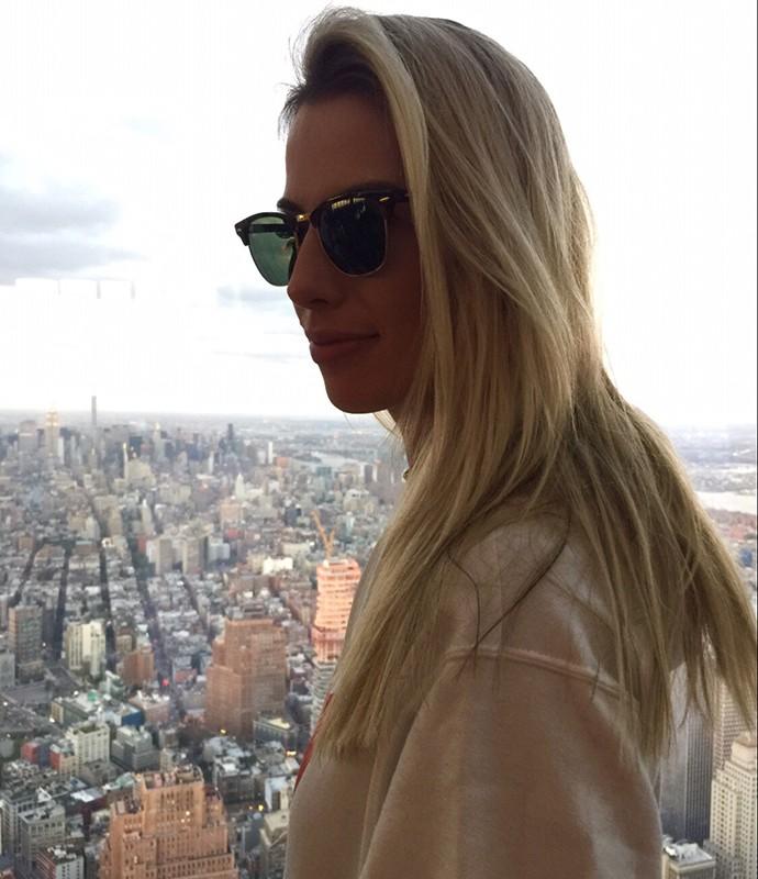Fernanda Keulla aproveitou o dia lindo de sol em Nova York para conhecer a cidade (Foto: Divulgação)