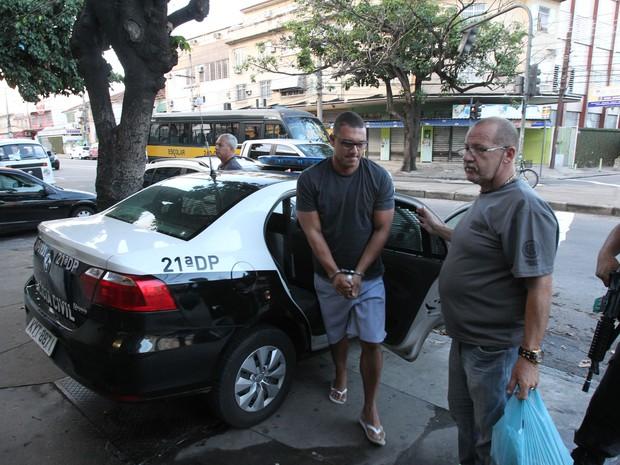 Oeração da Polícia Civil combate o tráfico de drogas em comunidades do Rio (Foto: Osvaldo Praddo/ Agência O Dia/Estadão Conteúdo)