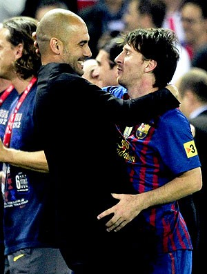 Guardiola e Messi na comemoração do Barcelona da Copa do Rei (Foto: AFP)