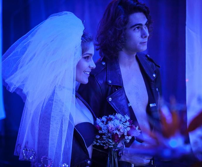 Perina tem casamento rock'n'roll (Foto: Fabiano Battaglin/Gshow)